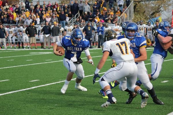 Bolivar's Rafe Peavey can beat you with his arm...and his feet. (Staff Photo)